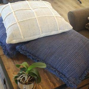 3 Threshold decorative pillows